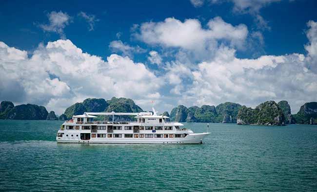 Du Thuyền Athena Cruises bao gồm 2 Du Thuyền 5 sao sang trọng và đẳng cấp
