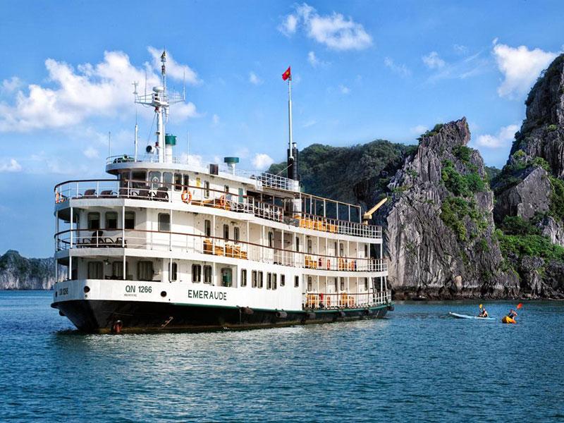 Tour du thuyền Emeraude 2 ngày 1 đêm