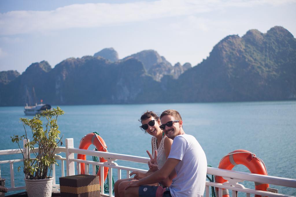 Du Thuyền Golden Star Cruise 3 Sao