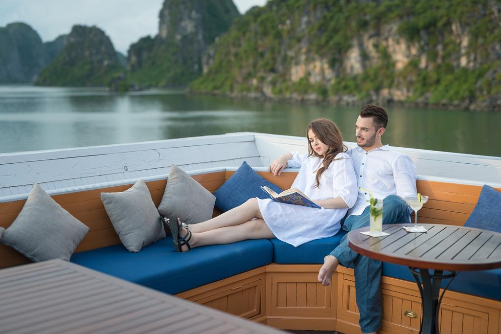 Du Thuyền Paradise Luxury đẳng cấp 5 Sao
