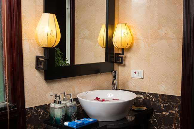 ancora-cruises-bath-room-2