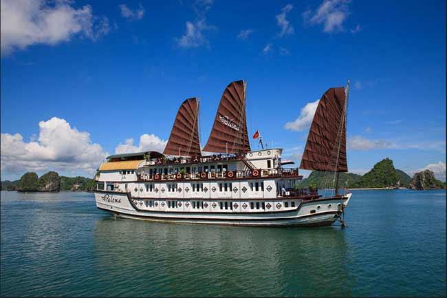 Du Thuyền Paloma được thiết kế như một biểu tượng của Vịnh Hạ Long