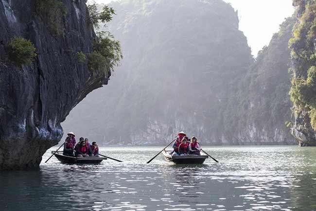 Chèo thuyền trên Du Thuyền Paloma