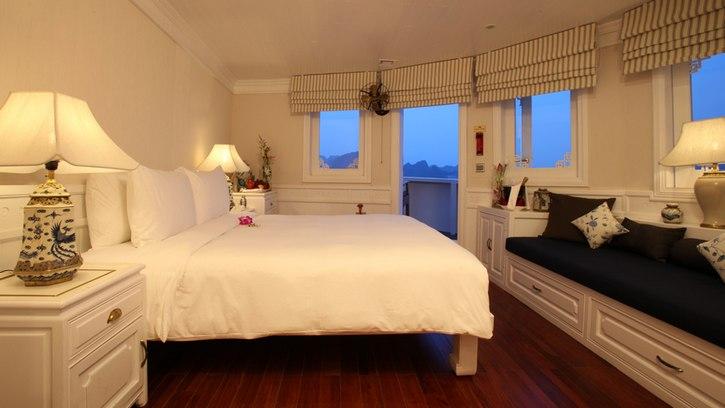 Phòng ngủ Du Thuyền Âu Cơ Hạ Long chuẩn 5 sao